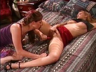 Порно шмели друг у друга дрочат