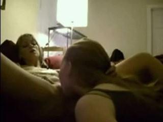 Смотреть порно клипы мама с дочкой лезбиянки и трансвиститы на русском языке