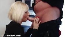 Парижский трансексуал трахается с двумя немцами