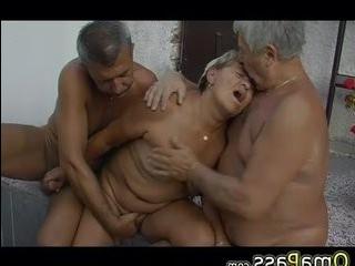 Старыи трансексуалки бобульки трахоют мужыков