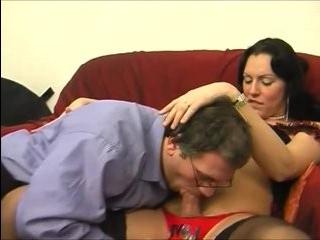 Смотреть порно папа трахает дочь трансвеститку