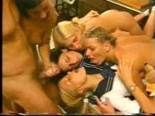 Просмотр порно видео онлайн только немецких трансвеститов