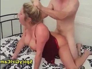 Трансексуал пр муже трахает его жену