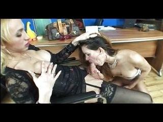 Порно с двумя трансиками смотреть онлайн