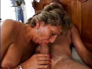 Трансексуал с грязной жопой