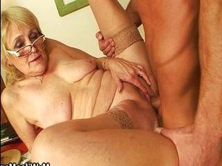 Внук трахнул бабушку транса