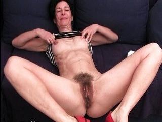 Зрелая дрочит трансвеститам